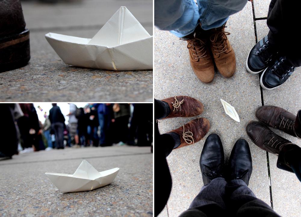 """""""ausgesetzte"""" Boote auf dem Rathausmarkt"""