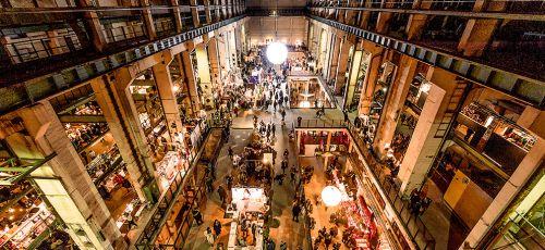 1784_17_Holy-Shit-Shopping3SuperbudeHotelHostelHamburg