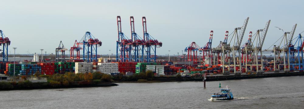 Container und Elbfähren