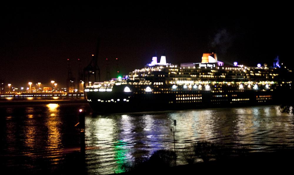 majestätischer Nachtbesuch der Queen Mary