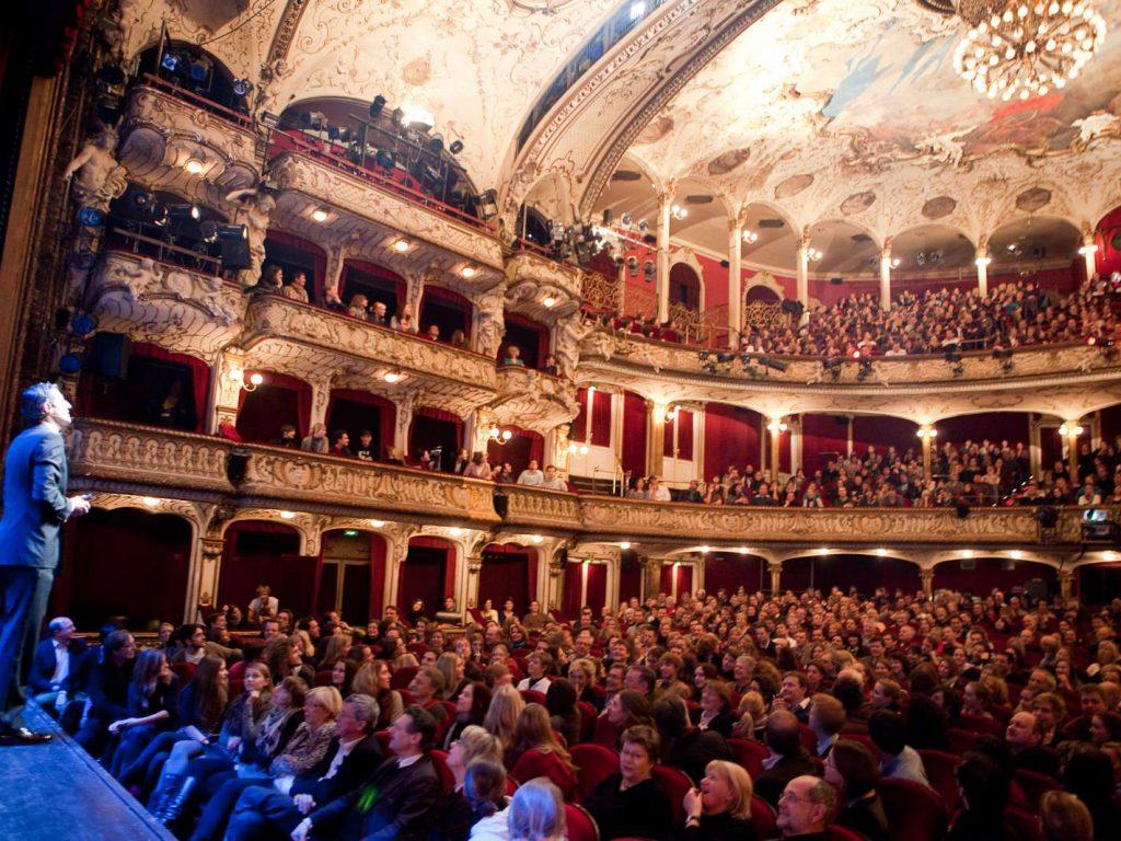 Kampf der Künste im Schauspielhaus