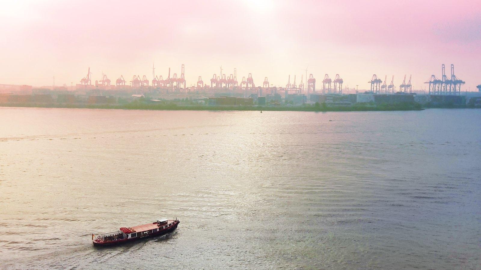 Unterwegs auf dem Wasser – Blick vom Dockland