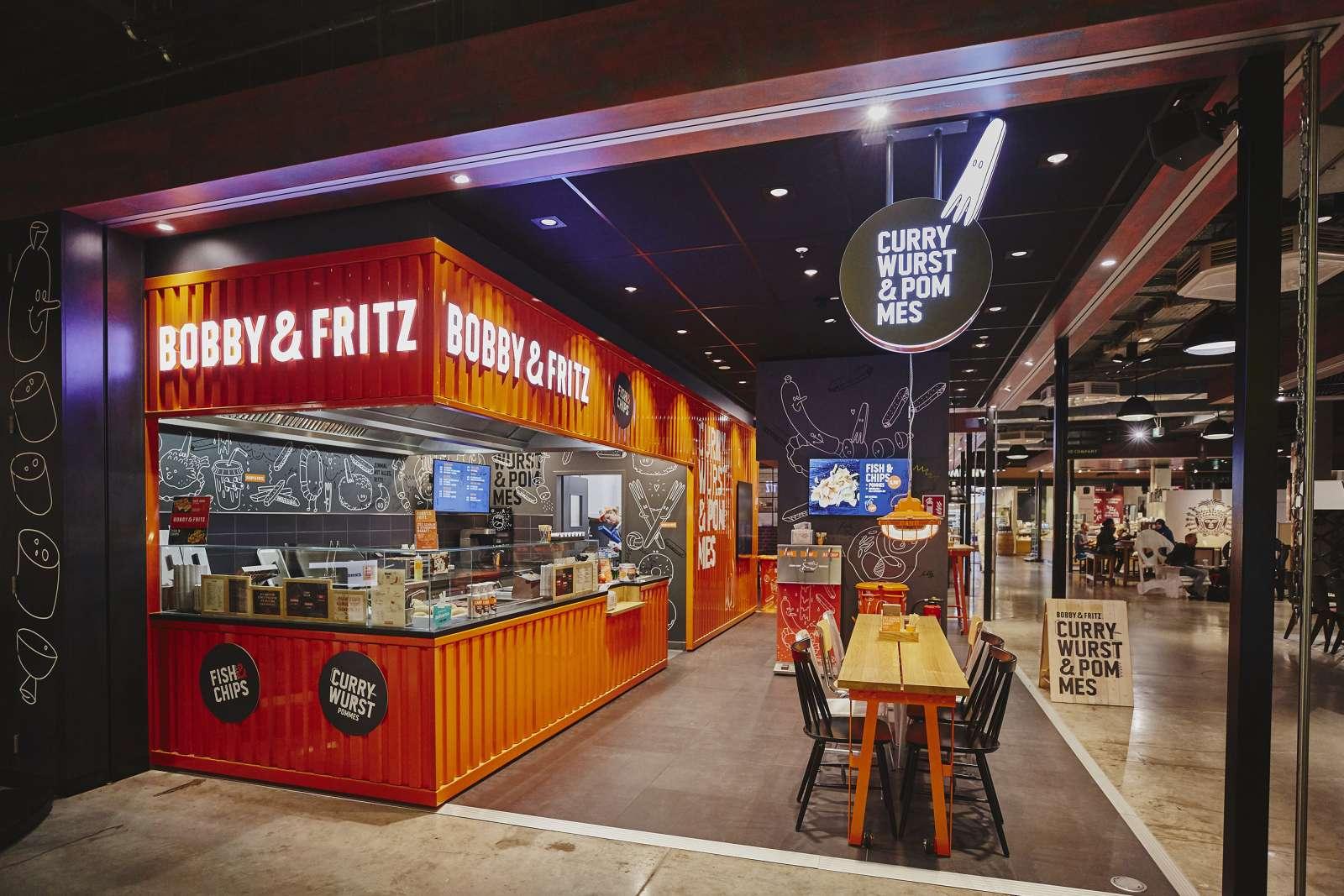 Bobby&Fritz, die erste Currywurst-Fastfoodkette Deutschlands, Laden in Hamburg (Rindermarkthalle)