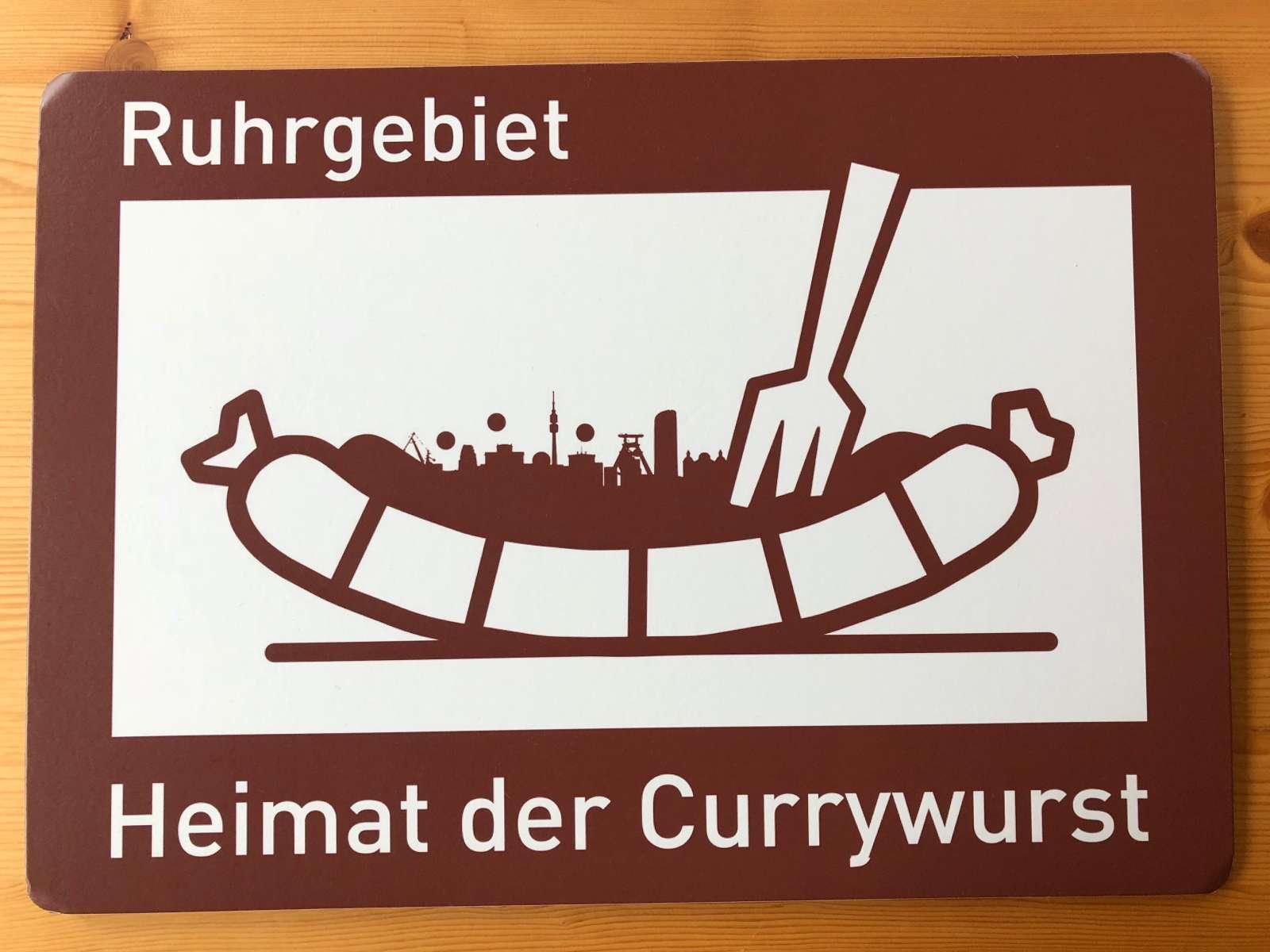 Autobahnschild Currywurst