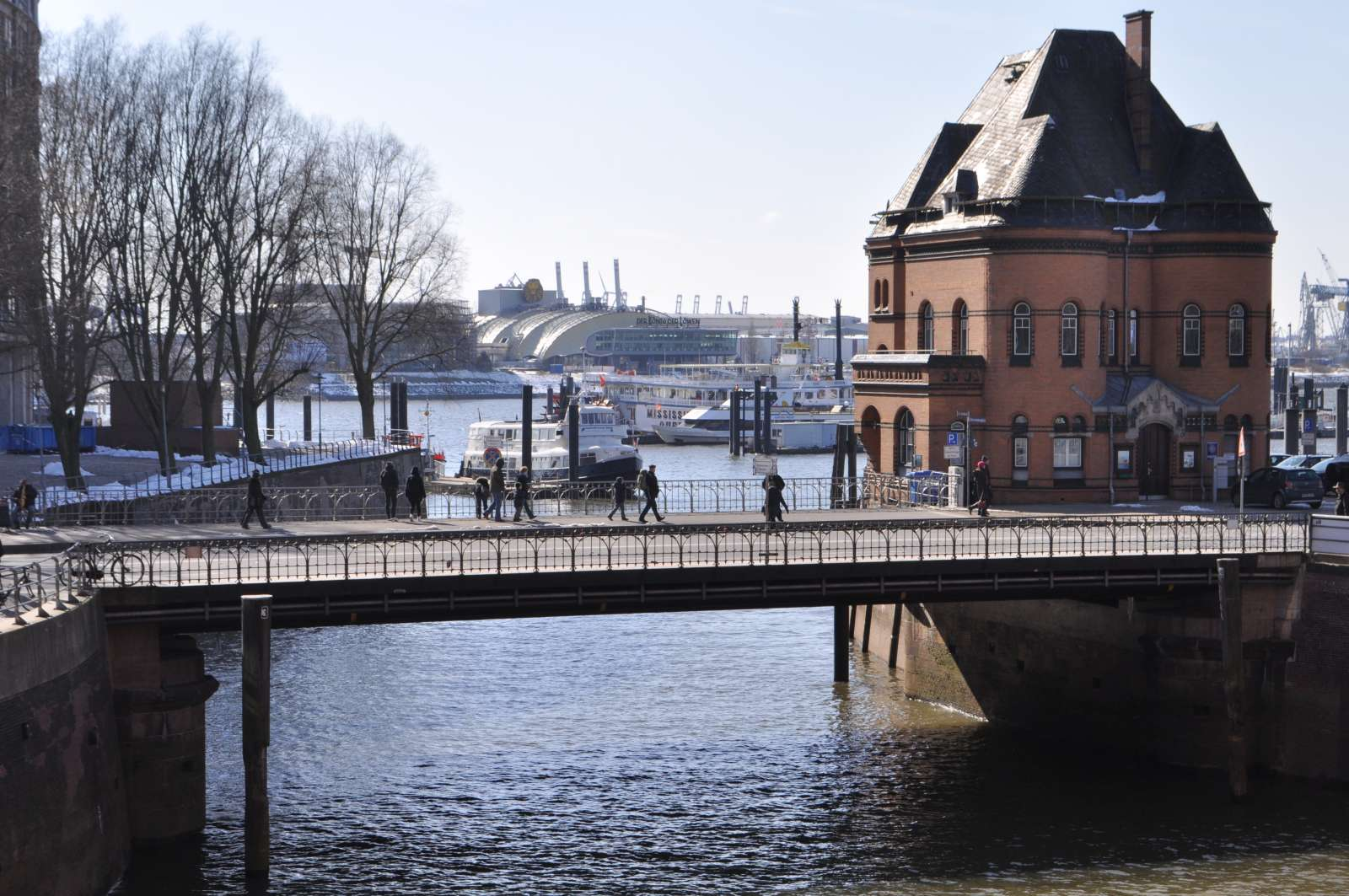 Wilhelminenbrücke / Foto: Ajepbah [CC BY-SA 3.0 (https://creativecommons.org/licenses/by-sa/3.0)], from Wikimedia Commons
