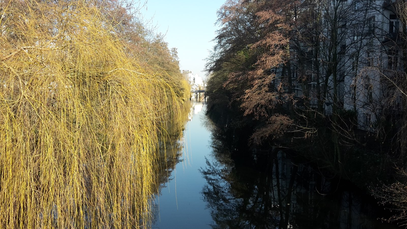 Isebekkanal bei der Hoheluftbrücke