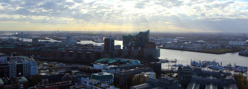 Ausblick vom Michel auf Hamburg