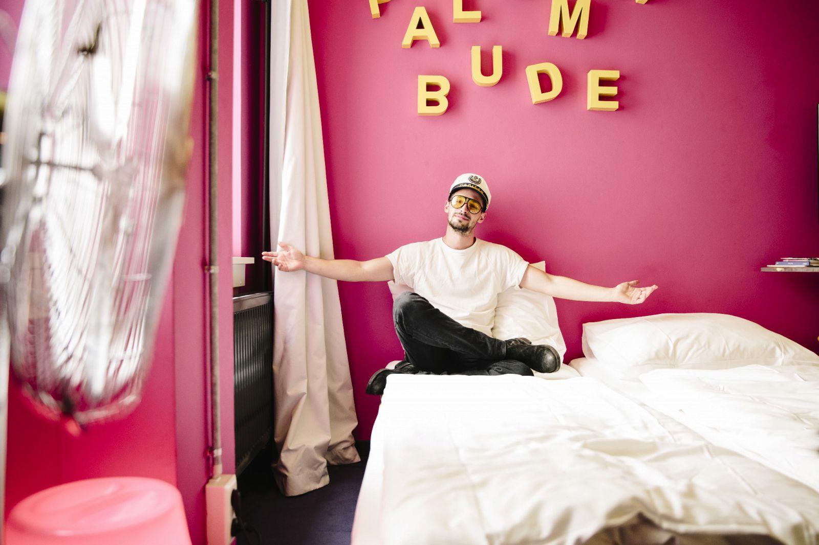 palomabude studio for up to 6 people hostel hamburg st georg superbude. Black Bedroom Furniture Sets. Home Design Ideas