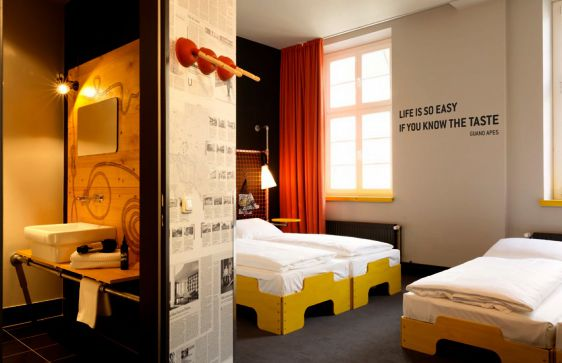 hotel in hamburg city superbude boutique hotels in hamburg mitte. Black Bedroom Furniture Sets. Home Design Ideas